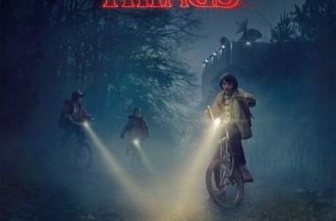 Procurando uma série nova pra ver? Stranger Things do Netflix é excelente, fica a dica