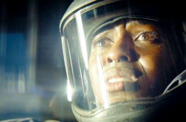 Netflix divulga novo trailer de Nightflyers, série sci-fi inspirada em livro de George R. R. Martin