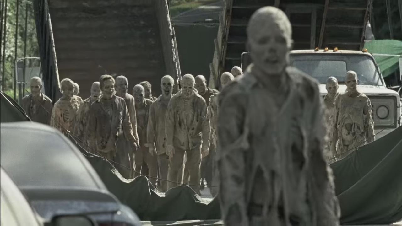 Сотня мужиков на одну, Толпа мужиков одну -видео. Смотреть толпа 11 фотография