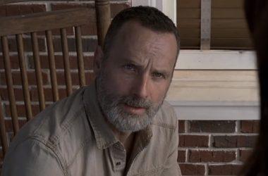 Rick tem que lidar com conflitos entre as comunidades no primeiro trailer da 9ª temporada de The Walking Dead