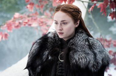 Sophie Turner revela que Sansa vestirá uma armadura na última temporada de Game of Thrones
