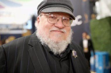 """George R. R. Martin reclama da reação """"tóxica"""" dos fãs ao final de Game of Thrones"""