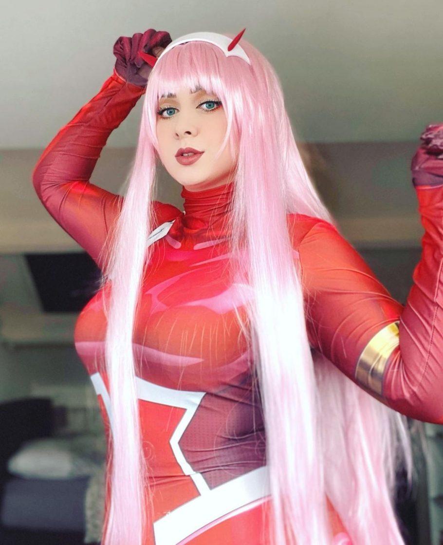 Darling in The Franxx - Veja este belo cosplay da Zero Two